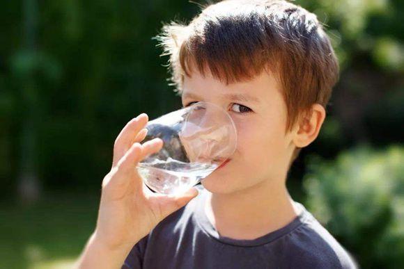 重视水管清洗,重视下一代饮水健康