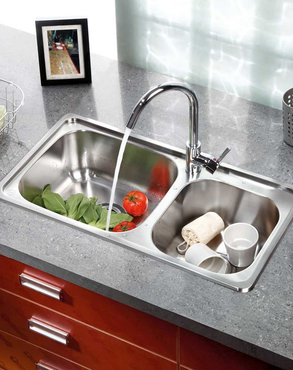 饮用水安全离不开水管清洗
