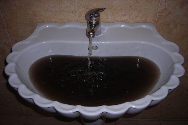 使用多年没有清洗的水管真的脏的很吓人吗?